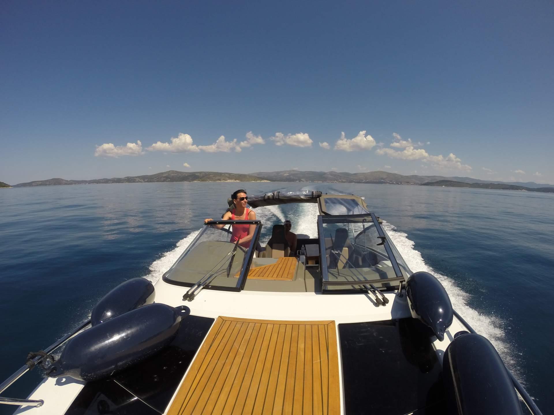 Speedboot Kroatien: Finnmaster T8