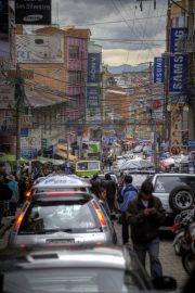 Strassengewirr in La Paz, Hauptstadt Boliviens