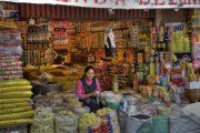 Bunter Marktstand in La Paz, Bolivien
