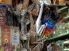 Lama-Föten hängen an einem Marktstand in La Paz, Bolivien