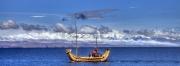 Schilfboot vor Kordilleren, Bolivien