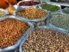 Bunte Nüsse auf einem orientalischen Basar in Nizwa, Oman