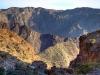 Farbvielfalt der Landschaft. Gebirge bei tiefstehender Sonne, Oman