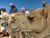 Beduinen und Kamele. Die Wüstensafarie kann beginnen, Oman