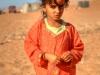 Mädchen in der Wüste Wahiba Sands, Oman