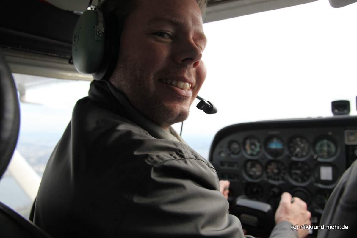 Michael Dunker im Cockpit der Cessna