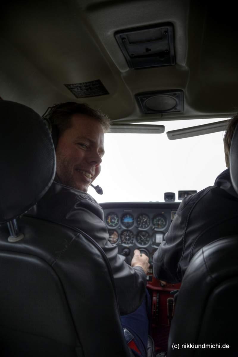 Erste Flugstunde - Michael Dunker am Steuerhorn