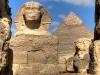 Der Sphinx bewacht die Pyramiden von Giza seit Tausenden Jahren. Die Löwenfigur mit Menschenkopf steht am Fuße der Pyramiden. Foto: www.nikkiundmichi.de