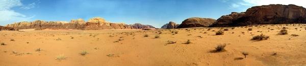Die Wüste Wadi Rum in Jordanien. Foto: www.nikkiundmichi.de