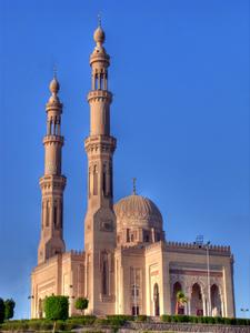 Die Moschee von Assuan (Aswan), Ober-Ähgpten. Foto: www.nikkiundmichi.de