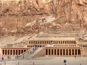 Hatschepsut-Tempel in Theben West bei Luxor, Ober-Ägypten. Foto: www.nikkiundmichi.de