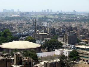 Der dichte Verkehr ist ein großes Problem in Kairo. Mut hat Vorfahrt. Foto: www.nikkiundmichi.de