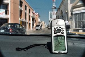 Navigation vor Ort: Nikki und Michi reisten 2003 zum ersten Mal mit einem elektronischen Pfadfinder - durch Mexiko und Belize.