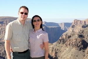 Dschabal al-Achdar im Oman: die Traveller Nikki und Michi fahren heute Richtung Wahiba Sands...