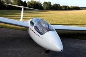 Segelkunstflug mit einer ASK 21.