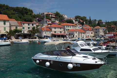 Sessa Marine S26 - Spass mit Bootscharter in Kroatien
