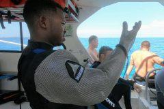 Sharfeeder Terell bereit Haifütterung