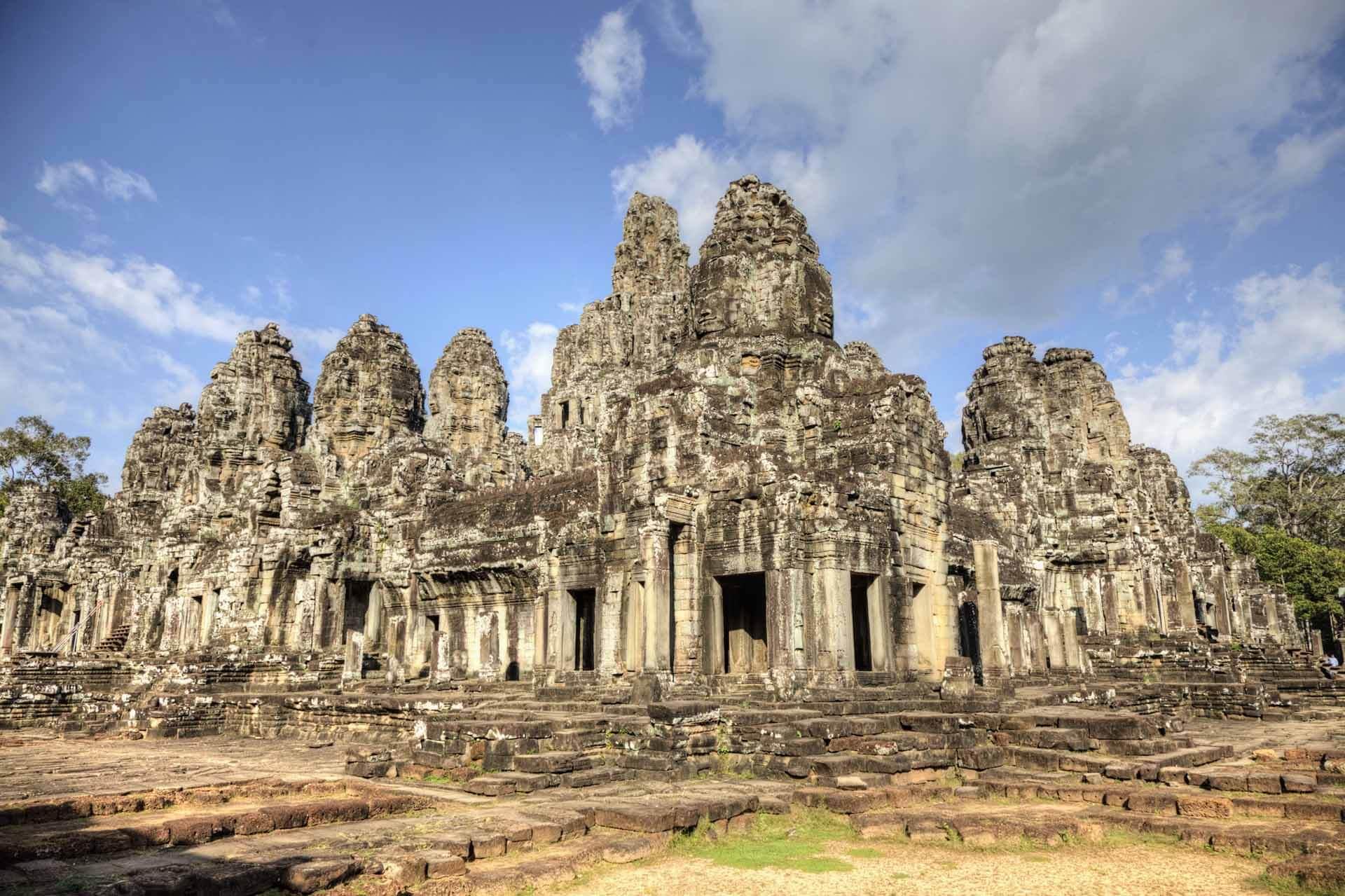 Der Bayon Tempel im Sonnenlicht - Angkor Thom