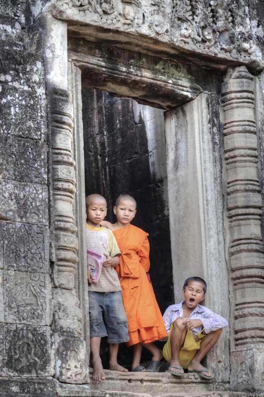 Kinder am Bayon Tempel, Angkor Thom
